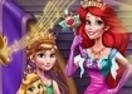 Anna and Ariel Dress Up